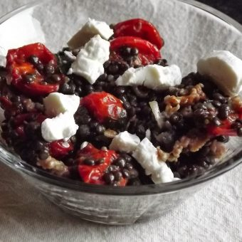 Linzensalade met geroosterde tomaten en geitenkaas_2