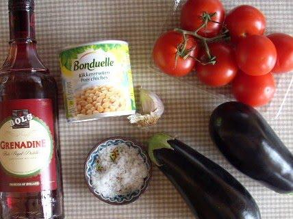 aubergines met tomaten en kikkererwten