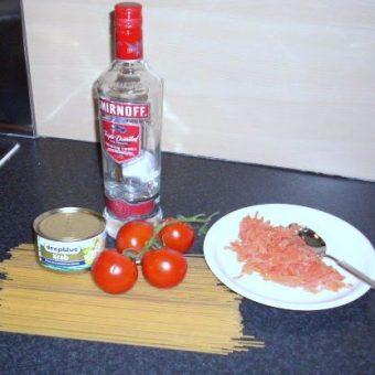 spaghetti-al-granchio-e-salmone