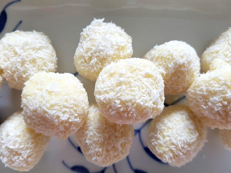 Witte chocoladetruffels met kokos