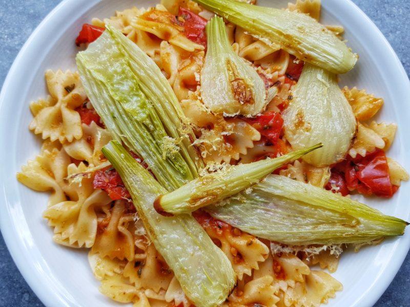 Pasta met tomaat en gegratineerde venkel